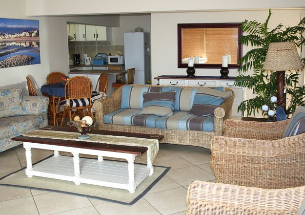Beach Castle Stilbaai Sitting Room